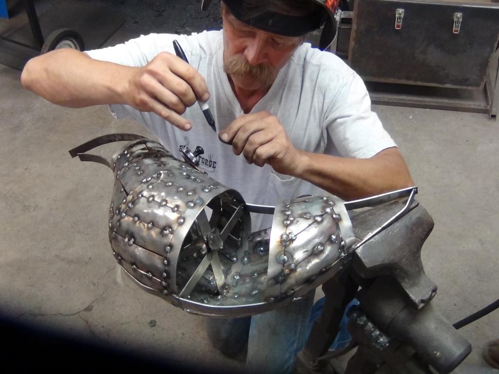 Body Building - Roy Bloom continued working through the formation of the body, meticulously cutting and welding the strips to provide the surface for the feathers.