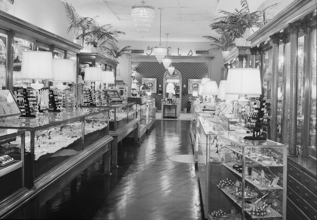 Scearce Jewelers Interior. Photo from www.julepcups.com.