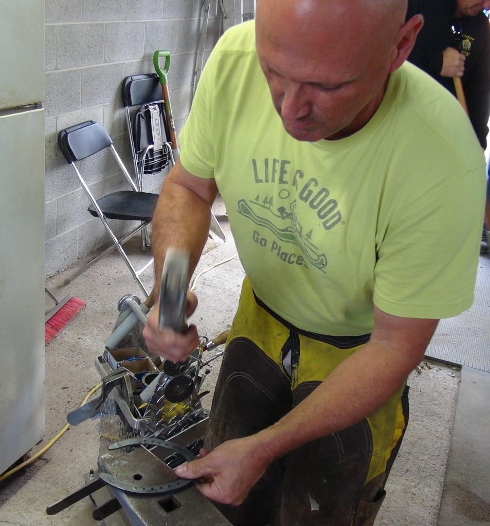 Tim shaping the Kerckhaert Half Swedge